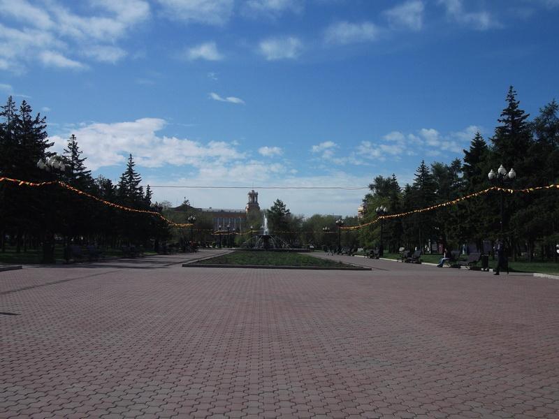 Площадь возле здания обладминистрации